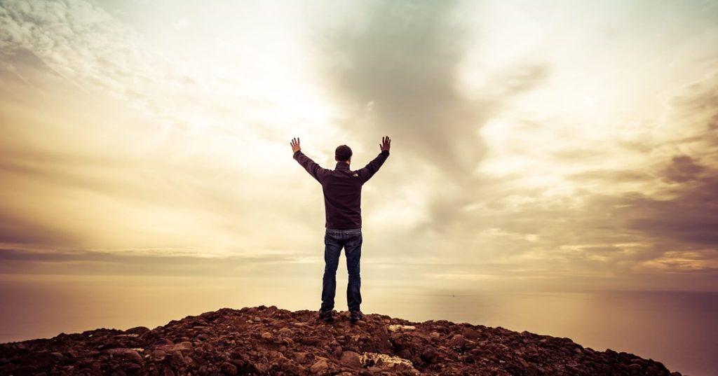 Hombre en el horizonte