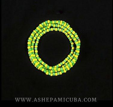 Pulsera Mano de Orula (idde) de cuentas verdes y amarillas