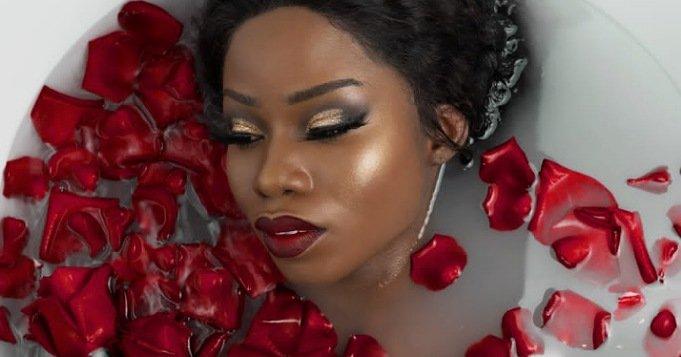 Baño de rosas rojas para atraer el amor
