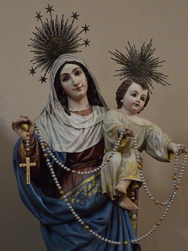 Imagen de la Virgen del Rosario