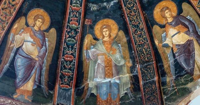 Los tres arcángeles Miguel, Gabriel y Rafael