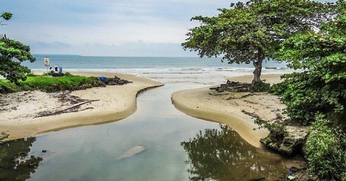 Oshún y Yemayá juntas en las aguas