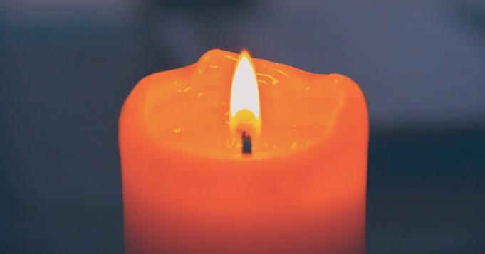 Color de vela amarilla para Oshún